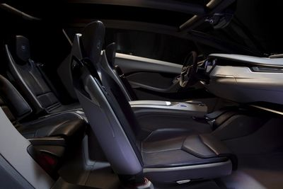 Cadillac_Urban_Luxury_Interior